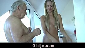 Horny cleaning babe fucking step dad after sucking his old cock Porn Videos