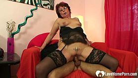 Cock-hungry gilf in stockings gets her hole shafted